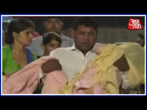 Video Double Murder In A Gangwar In Ghaziabad download in MP3, 3GP, MP4, WEBM, AVI, FLV January 2017