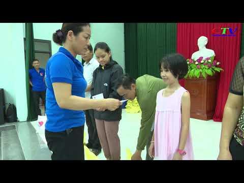 Nhóm Thiện Quảng Cam Lộ trao 100 suất quà cho nạn nhân da cam