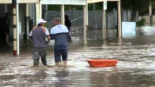 Holbrook Australia  City new picture : Floods in Holbrook, Australia Oct 15 2010.avi