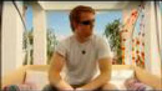 Josh Homme & Jesse Hughes interview (T in the Park 2005)