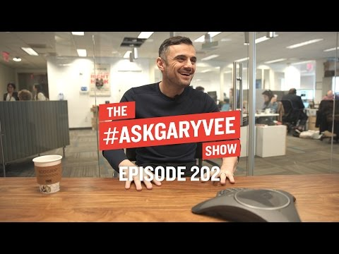 How to Contact Influencers, Music Marketing & Preparing to Live Stream | #AskGaryVee Episode 202 (видео)