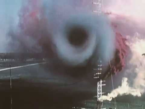 C-5A Wing Vortices and Wake Turbulence (видео)