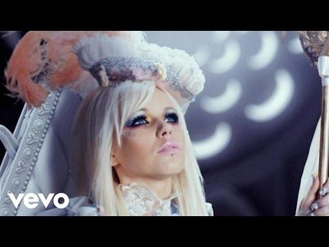 Tekst piosenki Kerli - Tea Party po polsku