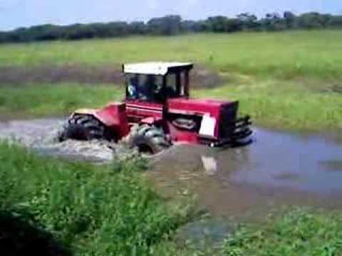 International Harvester 4586
