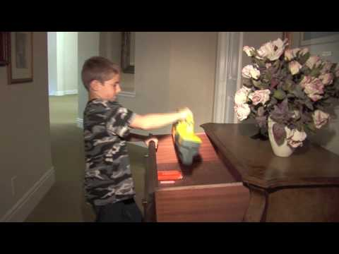 Nerf War-Nerf Guns VS Buzzbee Guns