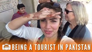 Video BEING A TOURIST IN PAKISTAN | Lahore Fort (Pakistan #11) MP3, 3GP, MP4, WEBM, AVI, FLV Mei 2018