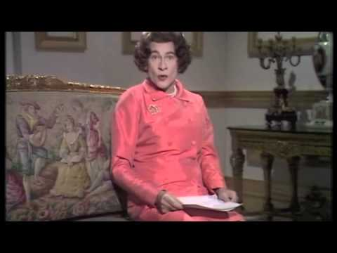STANLEY BAXTER - THE DUCHESS OF BRENDAGH
