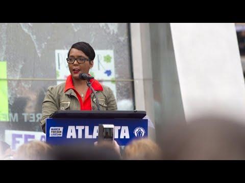 Atlanta mayor asks entire cabinet to resign