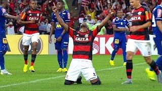 Blog FuteAki - Porque futebol é aqui! http://FuteAki.com.br Gol do Flamengo! Luiz Antonio solta uma bomba de primeira e faz um golaço aos 23' do 2º Tempo.
