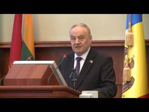 Președintele Timofti  a participat la ceremonia de detașare a contingentului Armatei Naționale în misiunea KFOR