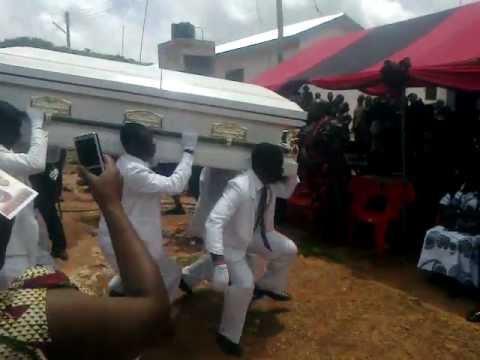 funerali con la dance!
