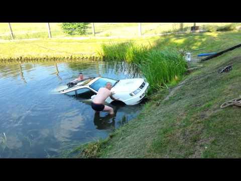 Mukavan kesäinen video – Puolan isännillä Passatti lammessa