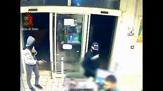 Bari, 69 rapine commesse in un anno: la Polizia arresta 9 persone