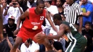 Chris Paul Dribbles Between Kevin Durant's Legs on Drive to Hoop