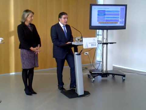 Elías Bendodo presenta los presupuestos de la Diputación para 2012