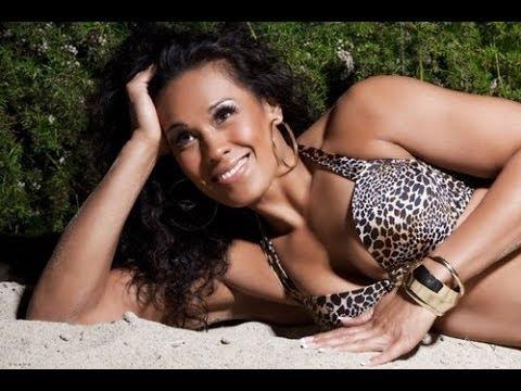 Tamina Snuka Hot Diva Bikini Moments