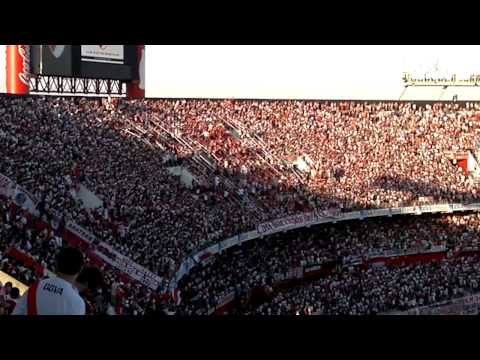 Video - ENTRADA LBDT+RECIBIMIENTO INCREIBLE - RIVER PLATE VS VELEZ - TORNEO FINAL 2013 - Los Borrachos del Tablón - River Plate - Argentina