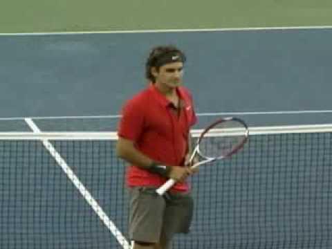 Roger Federer Has A Funny Reaction