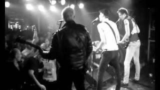 Video THE FIALKY - Je víkend (videoklip 2009)