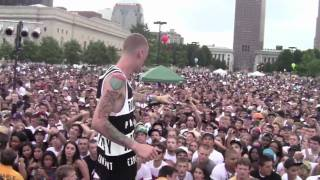 Video Machine Gun Kelly performs at Ohio's Homecoming download in MP3, 3GP, MP4, WEBM, AVI, FLV Mei 2017