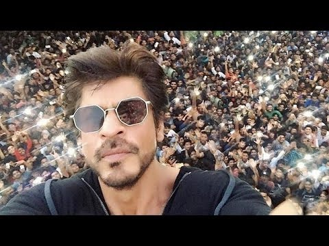 Shah Rukh Khan Birthday 2016 Celebration With FANS