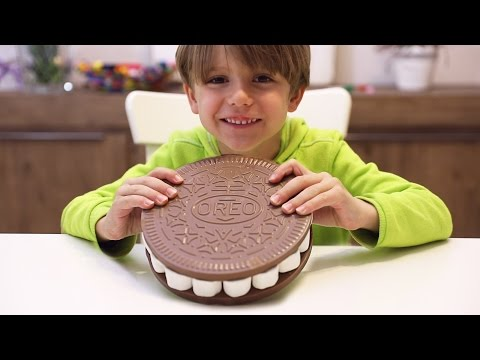 BIG Oreo Cookie Made Of Marshmallows And Surprise Eggs Chocolate - Family Fun Time