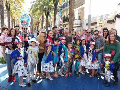 Rotura de Piñatas para cerrar el Carnaval 2019 de Isla Cristina