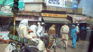 Rewari India  City pictures : India Rewari : street life, Horn Please!