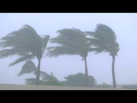 Ισχυρός κυκλώνας πλήττει το Ομάν