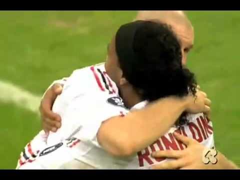 Contra el AC Milán de Ronaldinho