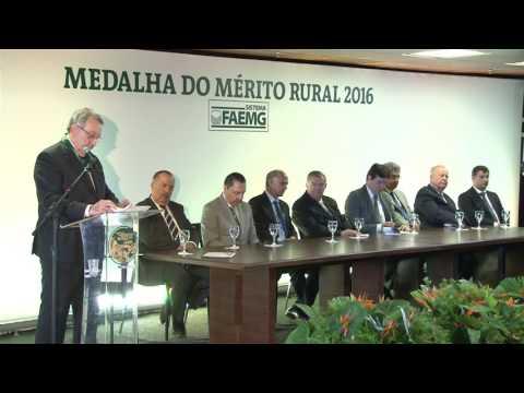 Presidente da CNA, João Martins, recebe a Grande Medalha do Mérito Rural
