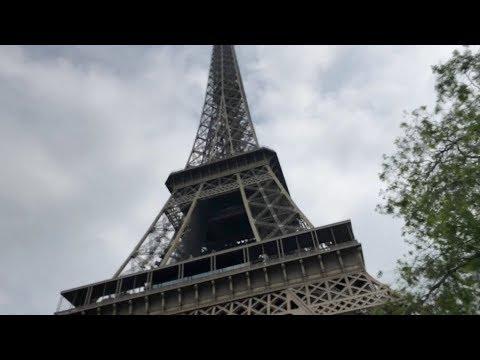 """السلطات الفرنسية تخلي برج """"إيفيل"""" وتنصح الزوار بتأجيل زياراتهم"""