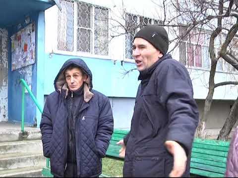 Мэр Энергодара Павел Музыка провел выездную встречу с жителями дома №40 на улице Воинов-Интернационалистов