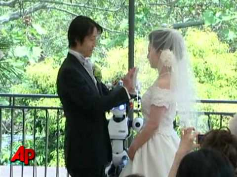 I Fairy Robot Performs Its First Wedding picture