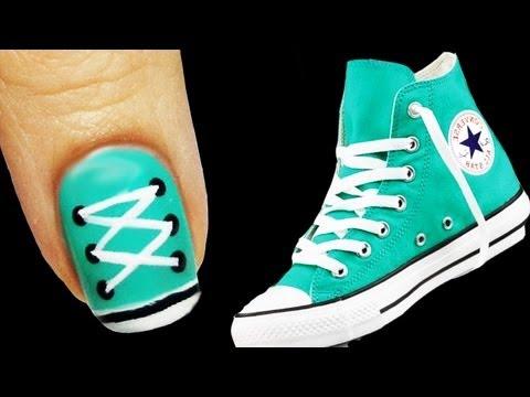 nail art - converse!