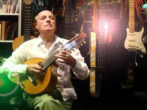 Bandurriator - El bandurrista Julian Nuñez interpreta esta famosa cancion de Carlos Cano con dos bandurrias, acompañado por una orquesta sacada del arreglo de Gerardo Menen...