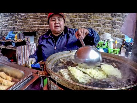 Food From The Philippines Cooked in the Streets of London. Great Street Food Experience