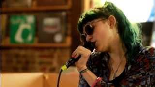 Grimes - Oblivion (Live at Grimey's)