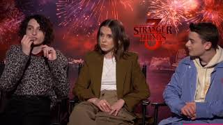 Noah Schnapp getting ignored by Millie Bobby Brown and Finn Wolfhard for 3 minutes straight