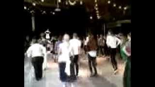 تمرین رقص باباکرم در مرکز شهر استکهلم توسط  دختر سوئدی فارغ تحصیل رقص از دانشگاه استکهلم