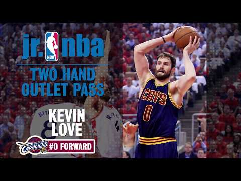2 HAND OUTLET PASS: KEVIN LOVE