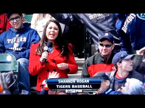 Hilarious drunk Rangers fan at a Tigers game