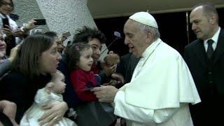 Papa recuerda Myanmar y Bangladés