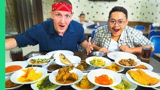 Video Traditional Jakarta Street Food You Must Try! Nasi Padang and Jakarta's BEST Fried Rice! MP3, 3GP, MP4, WEBM, AVI, FLV Agustus 2019