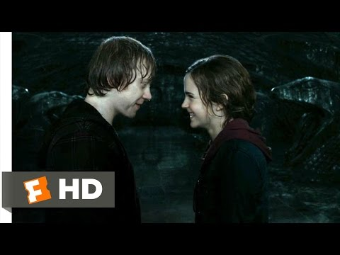 Harry Potter and the Deathly Hallows: Part 2 (1/5) Movie CLIP - Ron and Hermione Kiss (2011) HD