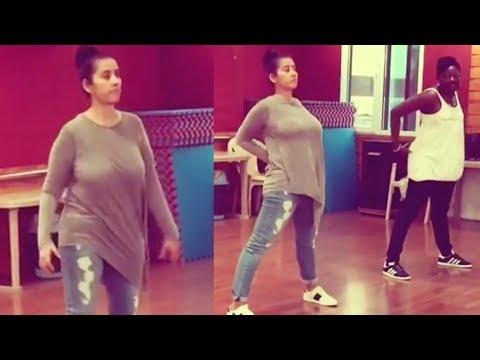 Video Manisha Koirala Bounce Shoulder Chest  Workout download in MP3, 3GP, MP4, WEBM, AVI, FLV January 2017
