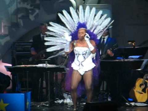 gregory charles gala las vegas juste pour rire 2010   showgirl rock