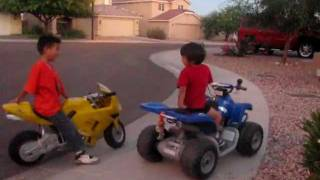 Video Motorcycle (4 year old on ATV 12 volts versus 7 year old on Motorcycle 36 volts) MP3, 3GP, MP4, WEBM, AVI, FLV Mei 2017