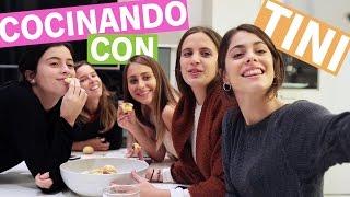 Torta de manzana y choco torta! #CocinandoConTINI | TINI - YouTube