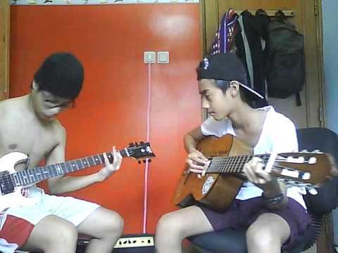 Guitar Battle: Acoustic vs Electric Guitar
